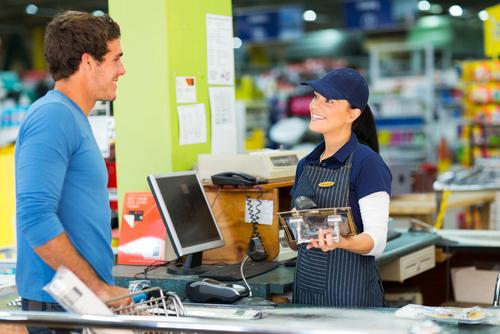 """El 40% de las compras físicas se """"incuba en internet"""""""