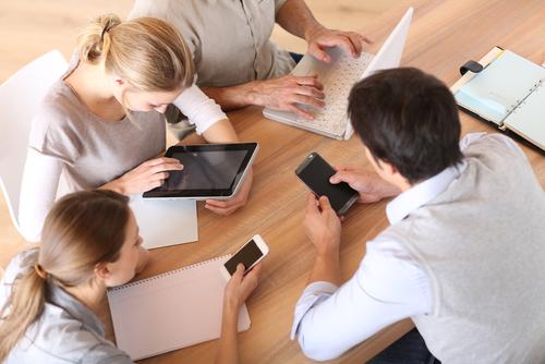 Los españoles cada vez mas conectados, utilizan más sus móviles y compran más online